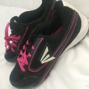 New Easton Cleats Ladies Womens Size 6